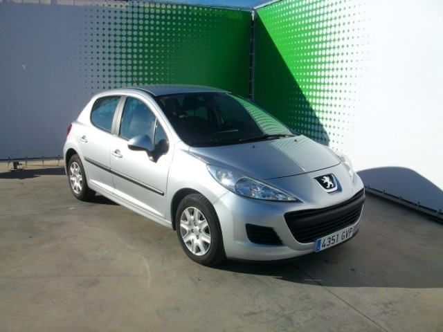 vendido peugeot 207 confort 1 4 hdi 70 coches usados en venta. Black Bedroom Furniture Sets. Home Design Ideas