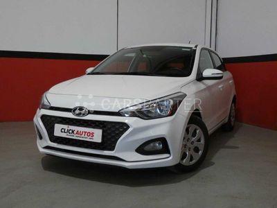 usado Hyundai i20 1.2 MPI 75CV Essence LE 5p