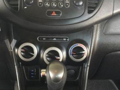 usado Hyundai i10 1.2 Comfort Auto -12