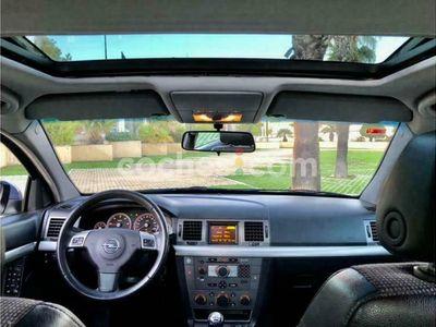 usado Opel Vectra GTS Vectra 1.9cdti 16v150 cv en Madrid