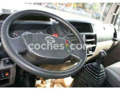 usado Nissan Cabstar 35.13-2 Cabina Fija 130 cv en Barcelona