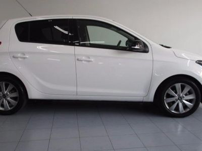 usado Hyundai i20 90CV 2014 11746 KM a € 10900.00