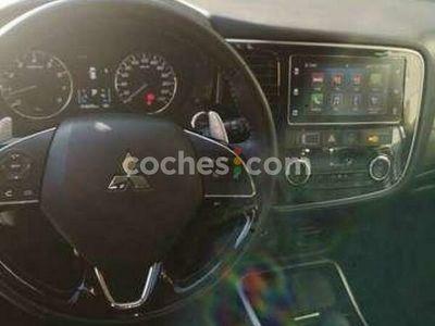 usado Mitsubishi Outlander 200 Mpi Motion 2wd 5pl. Cvt 150 cv en Barcelona