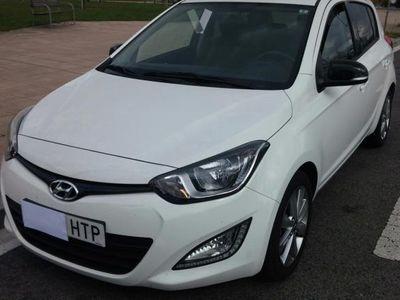 usado Hyundai i20 1.4 CRDi Go Brasil Plus -13