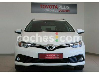 usado Toyota Auris Touring Sports 120t Active 116 cv en Sevilla