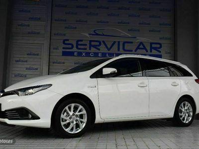 usado Toyota Auris 1.8 140H Business Touring Sports