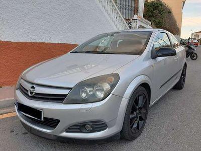 usado Opel Astra GTC 1.9CDTi Sport