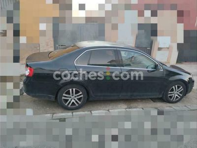 usado VW Jetta 1.9tdi Advance 105 cv en Sevilla