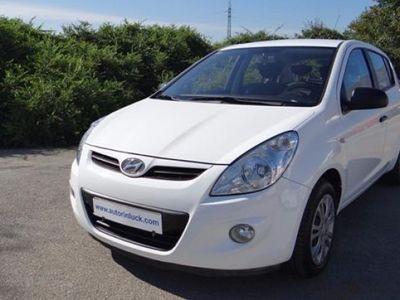 usado Hyundai i20 75CV 2011 199700 KM € 5200.00