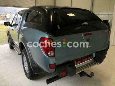 usado Mitsubishi L200 2.5di-d Double Cab Intense 136 cv en Madrid