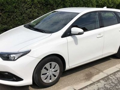 used Toyota Auris 90D Business