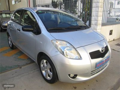 gebraucht Toyota Yaris 1.3 VVT-i Sol
