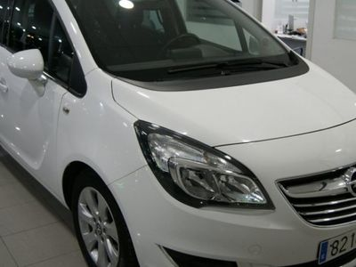usado Opel Meriva Excellence 110CV color Blanco Casablanca (sólido) año 2014 45000 KMs