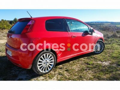 usado Fiat Grande Punto 1.4 Sport 95 95 cv en Valladolid