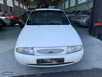 usado Ford Fiesta 1.8D GHIA