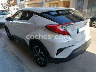 usado Toyota C-HR C-hr125h Dynamic Plus 122 cv en Barcelona
