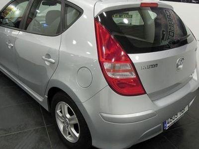 usado Hyundai i30 90CV 2010 94000 KMs € 9499.00