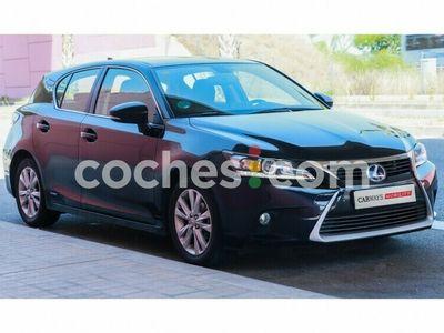 usado Lexus CT200h CtExecutive 136 cv en Barcelona