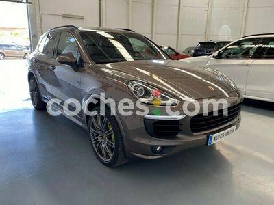 usado Porsche Cayenne S E-Hybrid E- 416 cv en Madrid