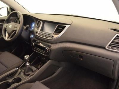 usado Hyundai Tucson 1.7 Crdi 115cv Bluedrive Tecno 4x2 5p. -16
