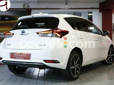 usado Toyota Auris Hybrid 140h Feel! Edition 136 cv en Madrid