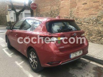 usado Toyota Auris Hybrid Active 136 cv en Barcelona