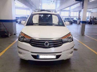 usado Ssangyong Rodius M.A. D22T Limited AWD Aut.