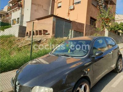 usado Alfa Romeo 147 1.6 Distinctive 105 cv en Barcelona