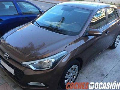 usado Hyundai i20 5P MPI 1.2 85CV ESSENCE CASHMERE BROWN, Segunda Mano, Málaga