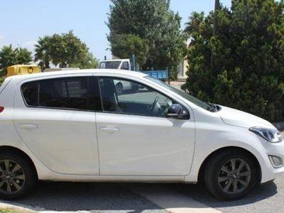 usado Hyundai i20 año 2013 43500 KM € 7900.00