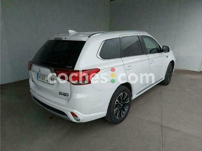 usado Mitsubishi Outlander P-HEV Kaiteki 4wd 203 cv