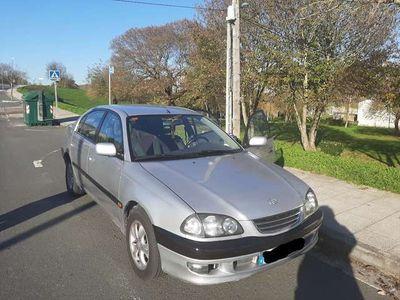 usado Toyota Avensis 1.6 Luna