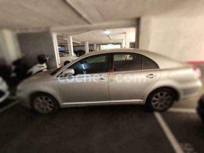 usado Toyota Avensis 1.8 Sol Aut. 129 cv en Barcelona
