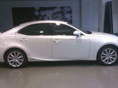used Lexus IS300h Executive