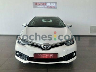 usado Toyota Auris 120t Active 116 cv en Badajoz