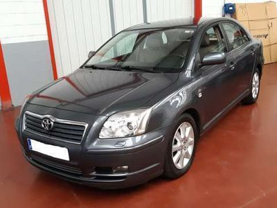 usado Toyota Avensis 2.2D-4D Clean Power Executive