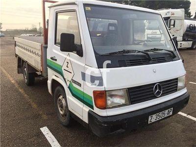 usado Mercedes 180 MB-180 PLATAFORMA
