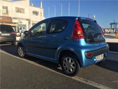 usado Peugeot 107 1.0i Urban Move 2 Tronic