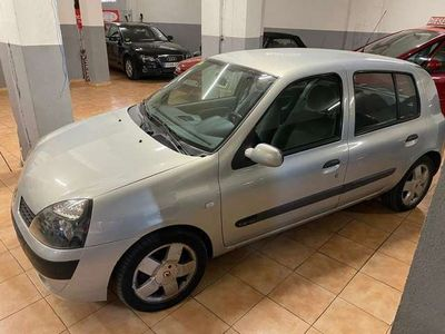 usado Renault Clio 1.4 16v Luxe Privilege Aut.