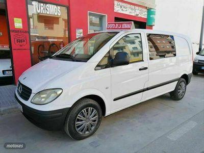 usado Mercedes Vito Combi 111cdi Compacta 109 cv en Malaga