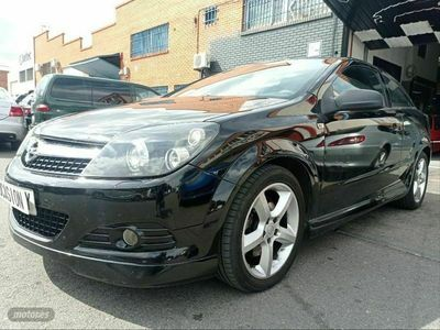 usado Opel Astra GTC Astra 1.9 CDTi 150 CV Sport