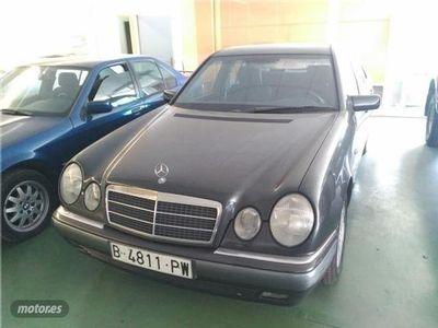 usado Mercedes E300 Elegance/automatico.