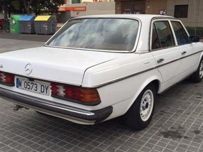 usado Mercedes 300 1980 279999 KM € 4400.00