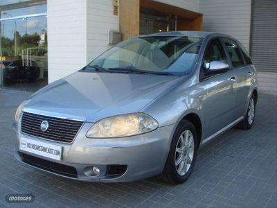 usado Fiat Croma 1.9 16v Multijet Emotion