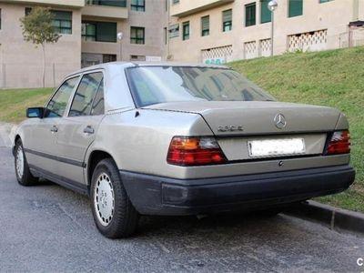 usado Mercedes 230 2302p. -88