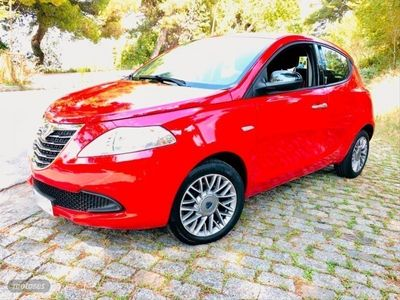 usado Lancia Ypsilon Black and Red Evo ll 70cv. Impecabl, Segunda Mano, Barcelona