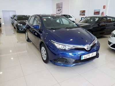 usado Toyota Auris 90D Business