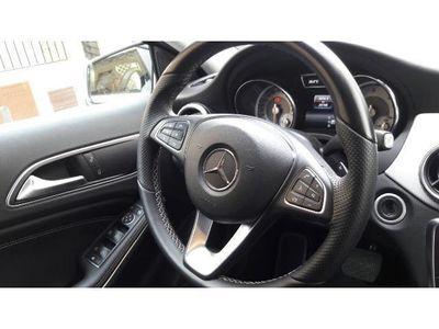 usado Mercedes GLA200 CDI Urban 7G-DCT