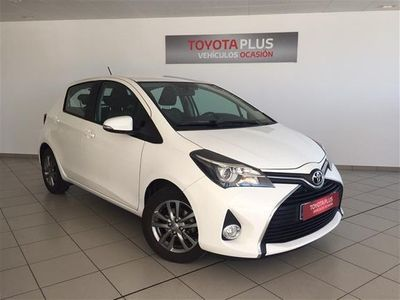 usado Toyota Yaris 1.5 Active + P. Cool