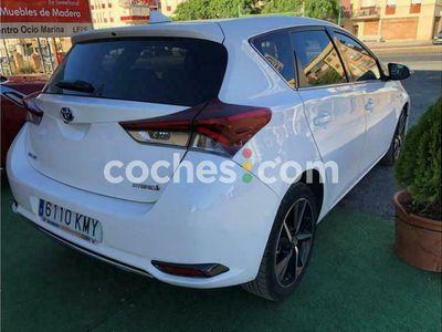 usado Toyota Auris Hybrid 140h Feel! Edition 136 cv en Huelva
